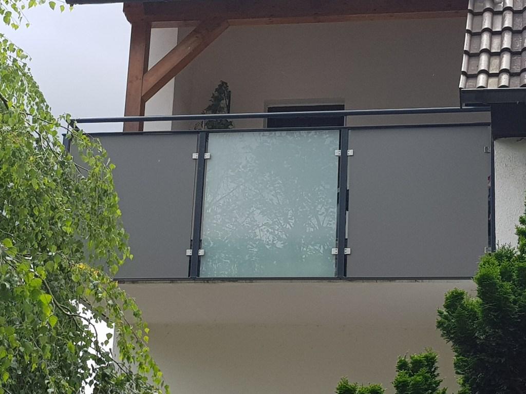 3-balkon-gelaenderfuellung-glas